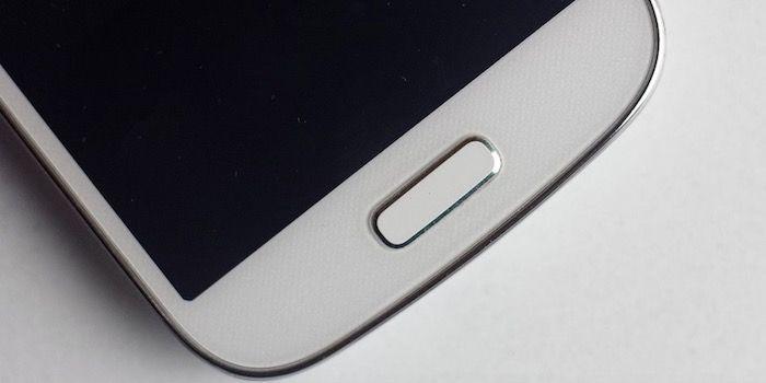 3 buenos trucos caseros para limpiar la pantalla del móvil