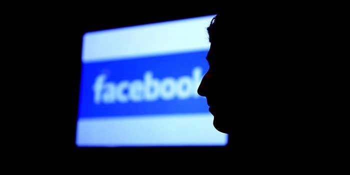 Acoso Facebook