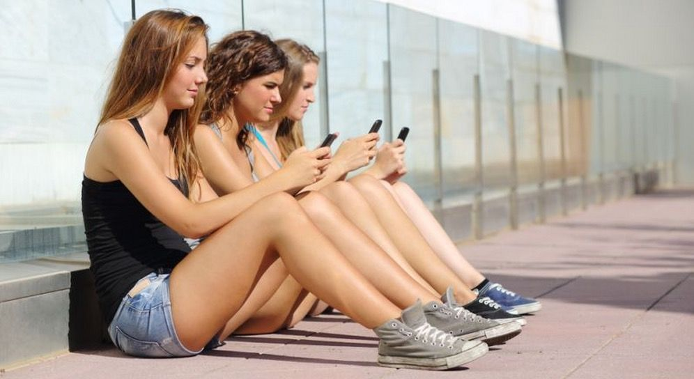 Adictos al chat del móvil