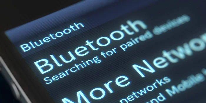 Como emparelhar o fone de ouvido Bluetooth