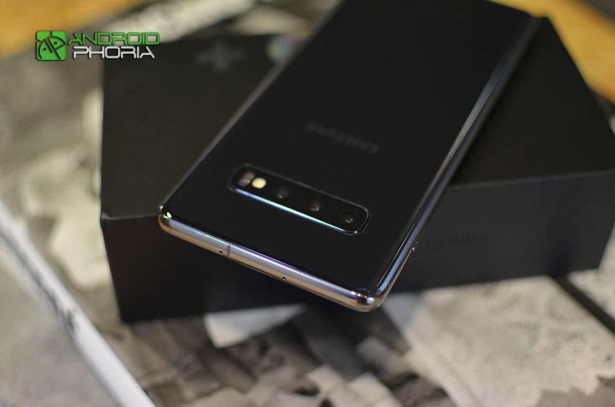 Camara del Galaxy S10 Plus por atras