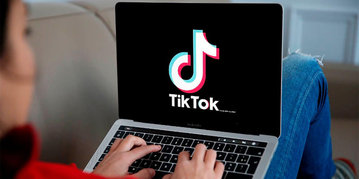 Como unir dos o mas videos en TikTok