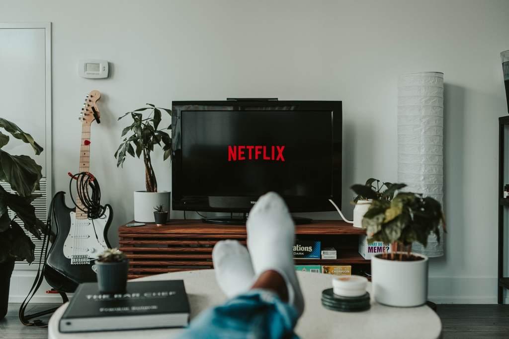 Contrata un paquete de servicios telefónicos con Netflix incluido