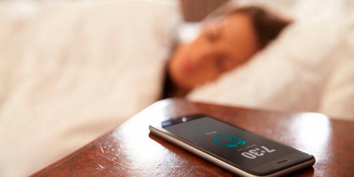 Crear alarma inteligente Google Assistant