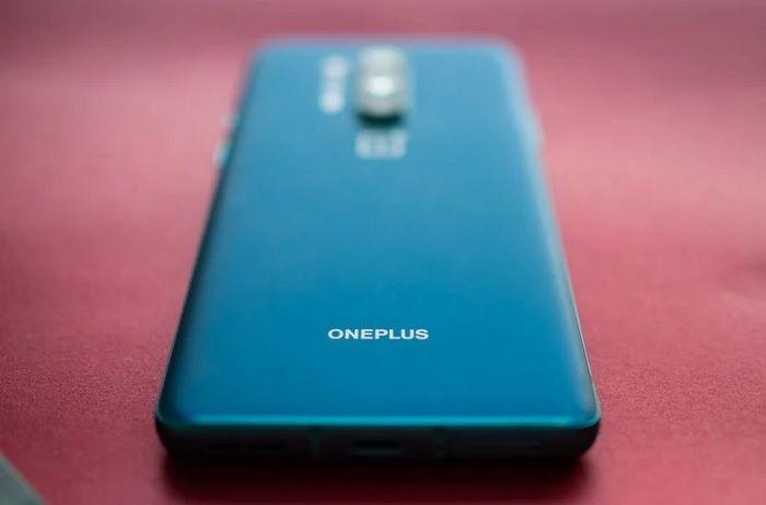 Cuales son los motivos por los que OnePlus cambio su estrategia de marketing