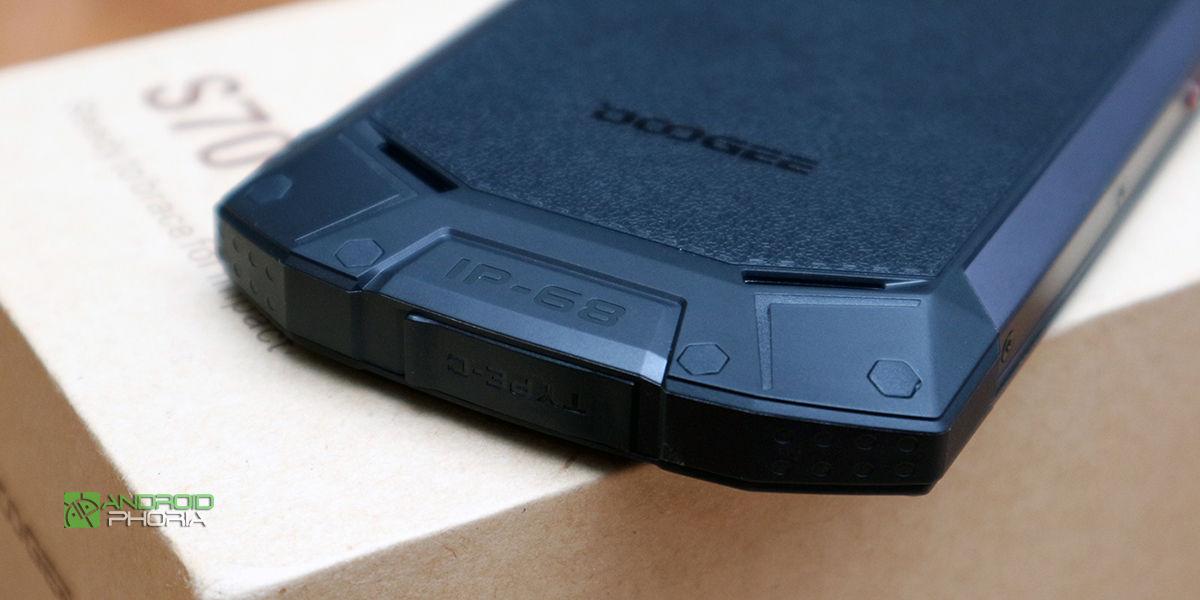 Doogee S70 smartphone resistente