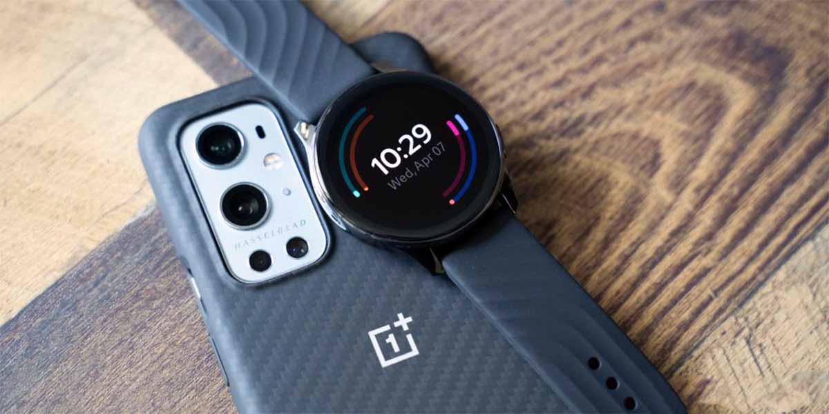 El OnePlus Watch puede crear watchfaces que se combinen con tu ropa
