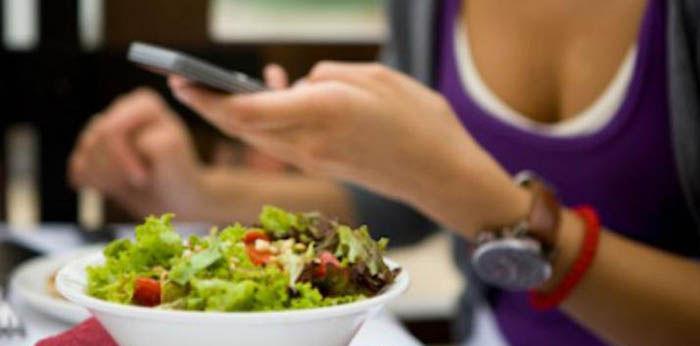 Estudios smartphones afectan relaciones
