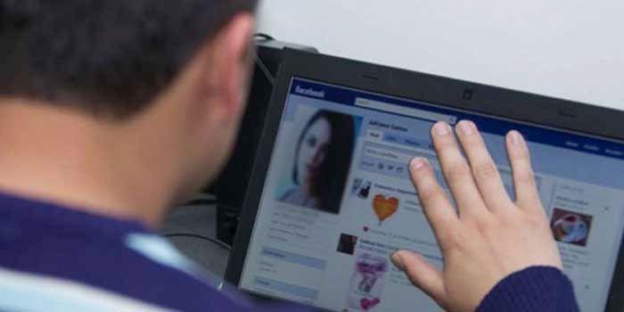 Extorsion sexual Facebook