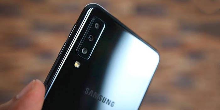 Galaxy A7 2018 con triple cámara