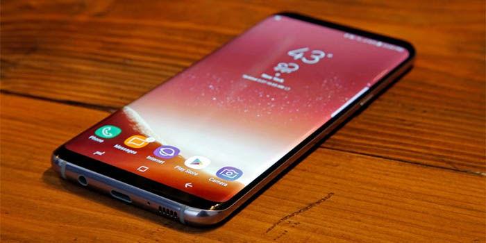 Galaxy S8 en la mesa