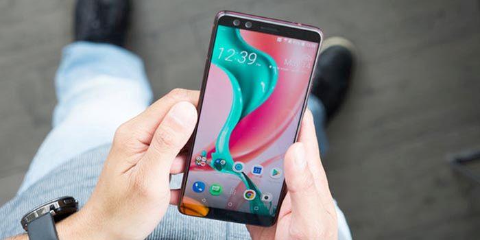HTC U12 Plus oficial