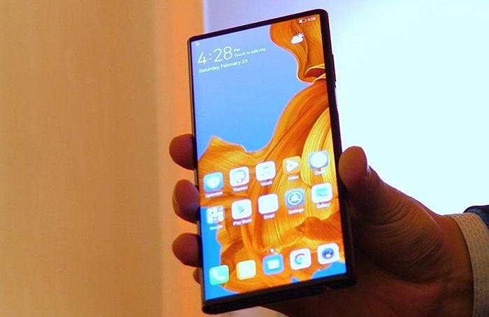 Huawei mate X cerrado