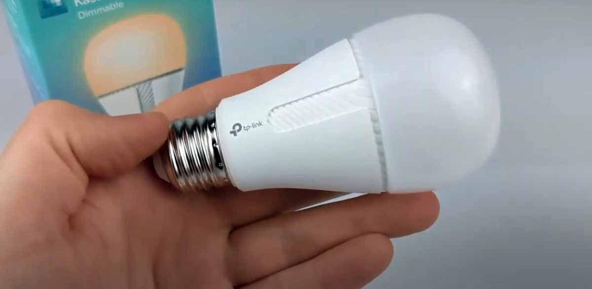Kasa Smart KL110 una bombilla con un hermoso color blanco calido y funciones muy completas