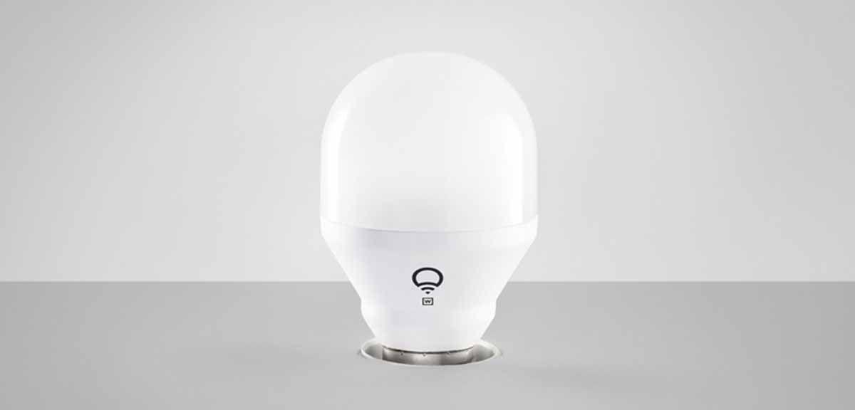 LIFX Mini White Bulb una bombilla pequeña compatible con Apple HomeKit