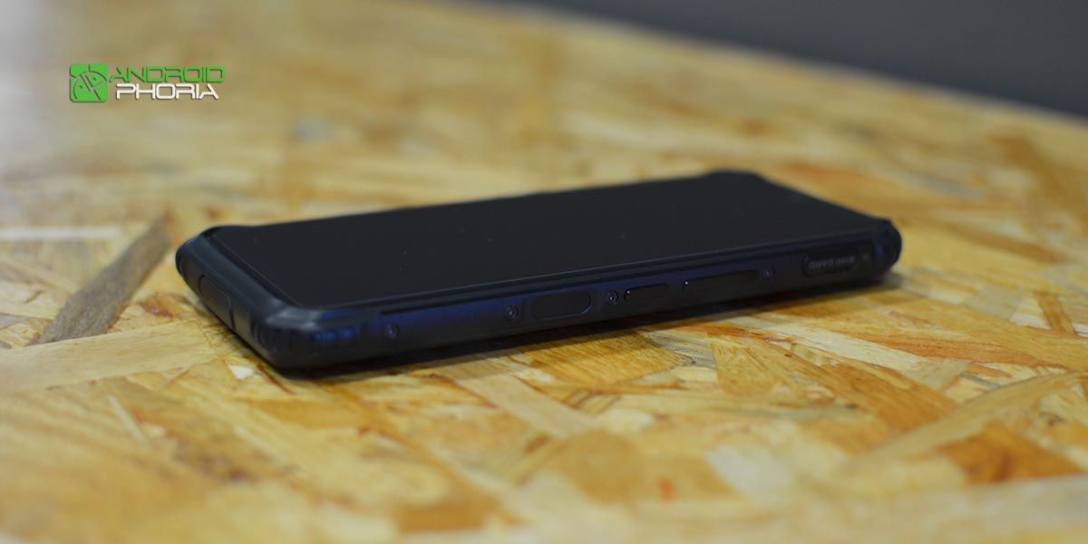 Lateral del Doogee S95 Pro
