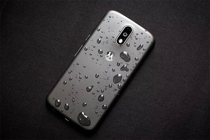 Moto G4 Play resistente a salpicaduras