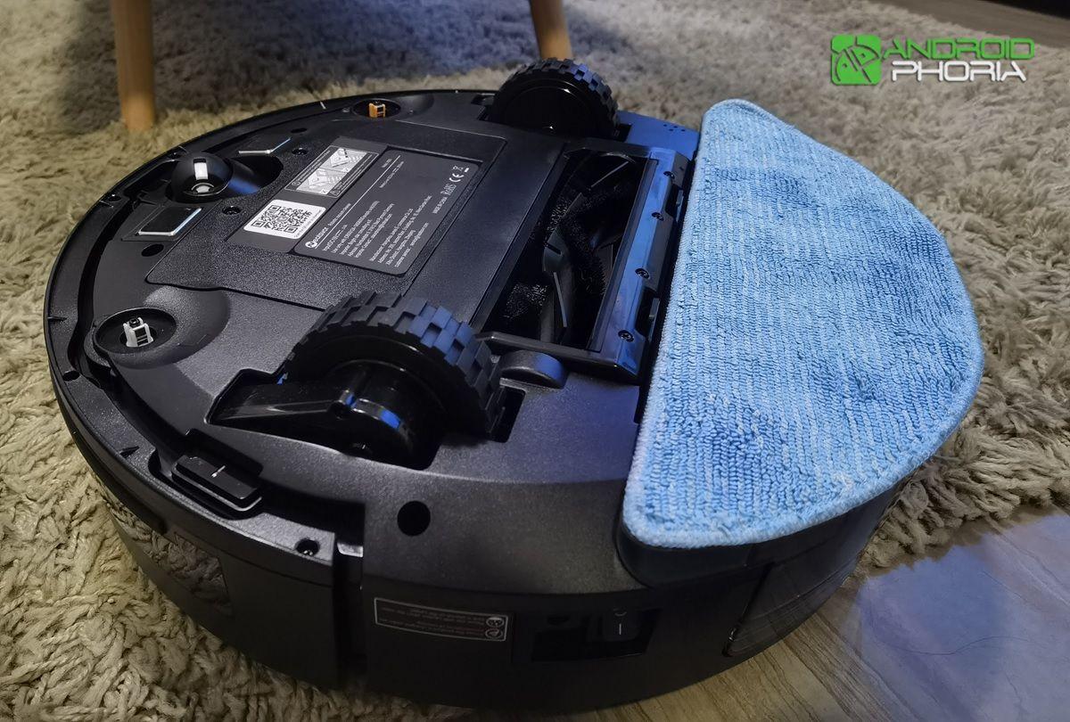 NEATSVOR X600 con mopa instalada
