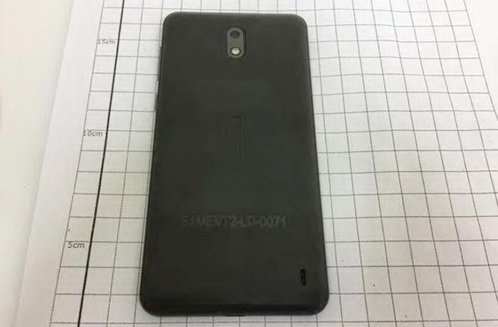 Nokia 2 trasera