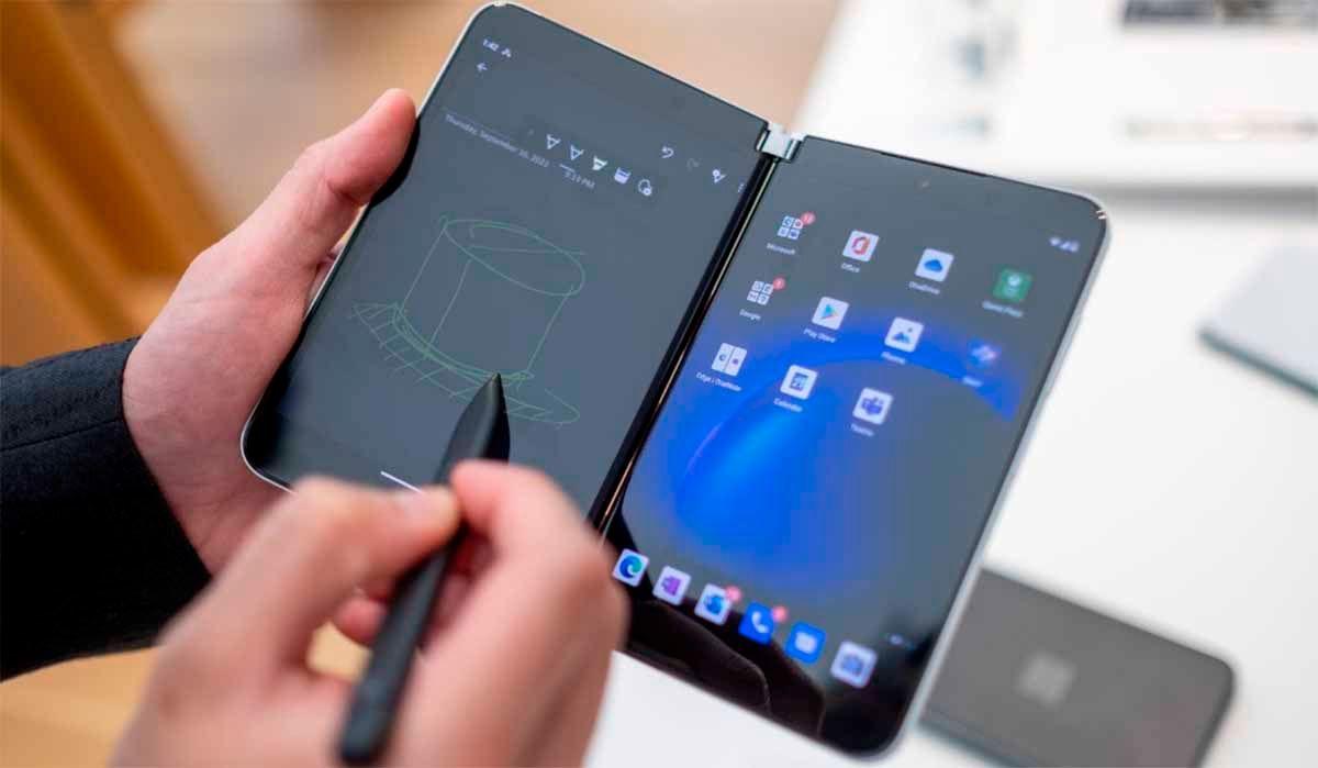 Pantalla diseño Surface Duo 2