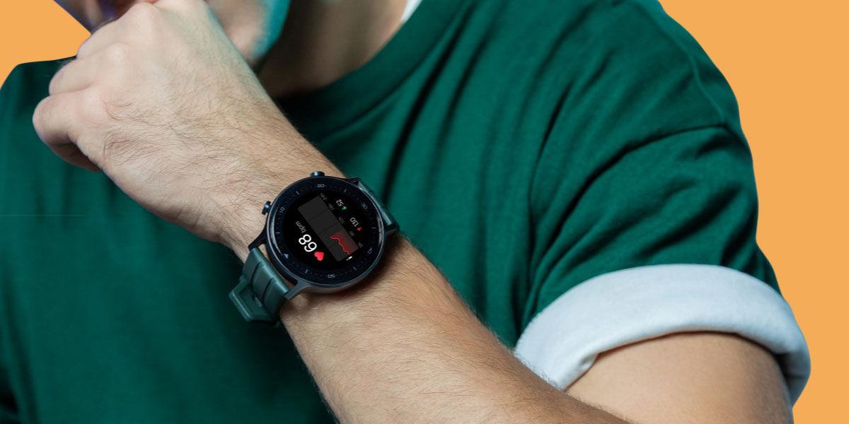 Smartwatch realme Watch S en uso