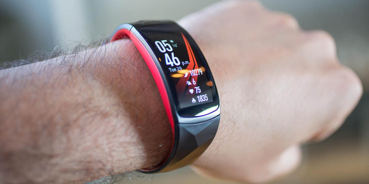 Samsung Gear Fit 2 Pro mejor smartband GPS integrado
