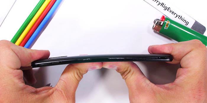 Test de resistencia del OnePlus 6T