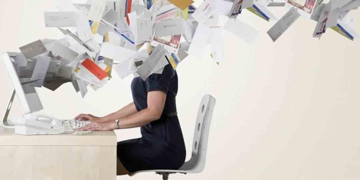 Unattach libera espacio en Gmail