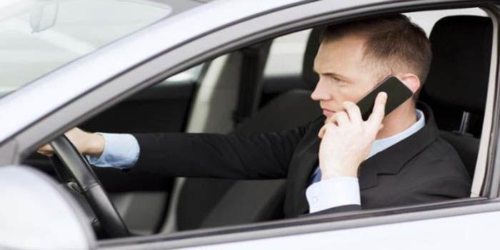 Usar el movil al conducir