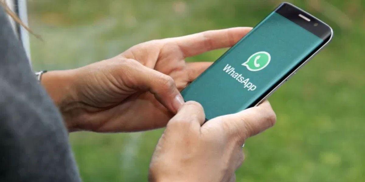 WhatsApp en móvil