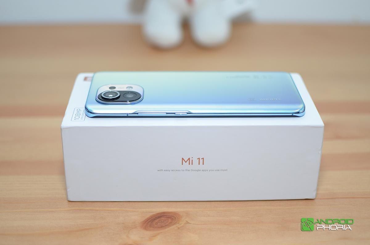 Xiaomi Mi 11 en la caja