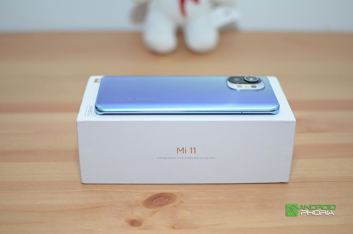 Xiaomi Mi 11 laterales
