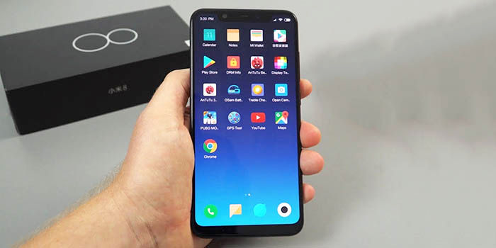 Xiaomi Mi 8 hands on
