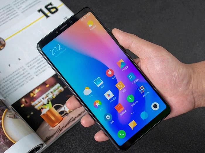 Xiaomi Mi Max 3 en mano