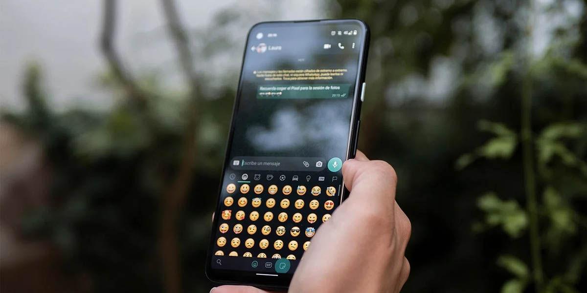 actualizar emojis android