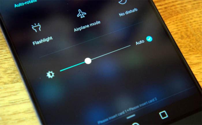 ajustar el brillo de la pantalla