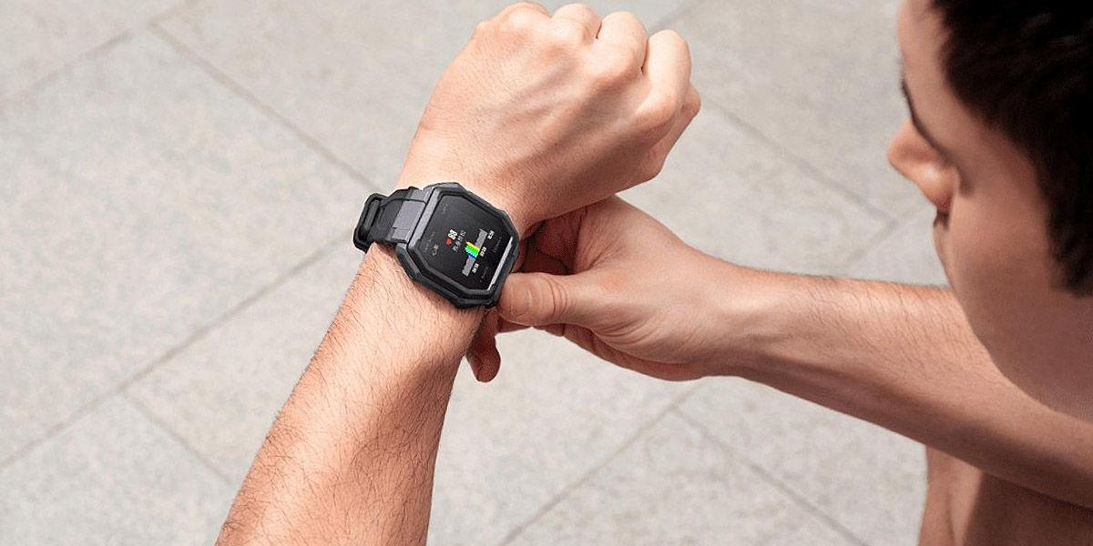 amazfit ares smartwatch muñeca diseño