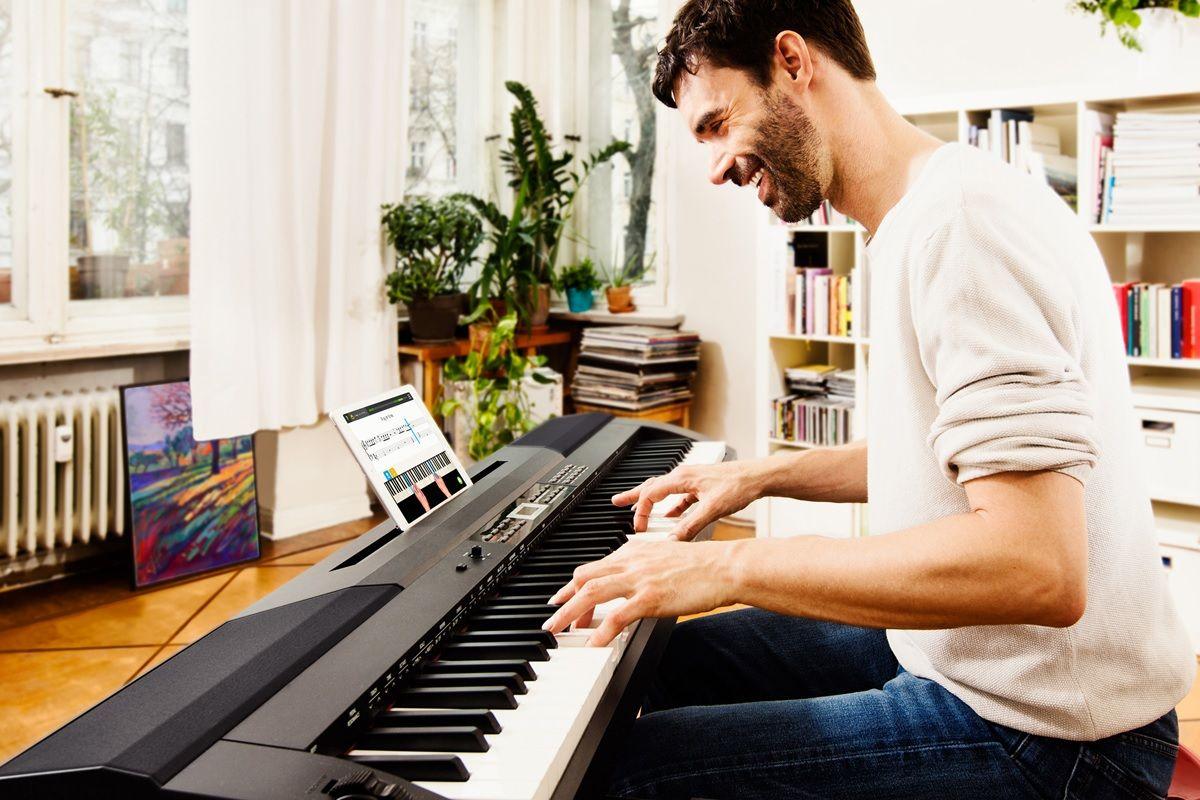 aprendiendo a tocar piano con skoove