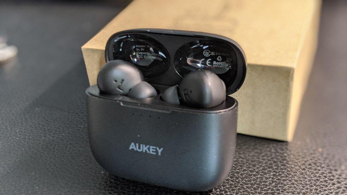 aukey auriculares