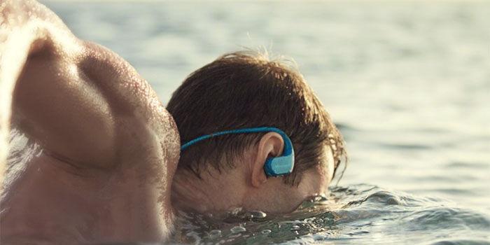 auriculares para nadar en verano