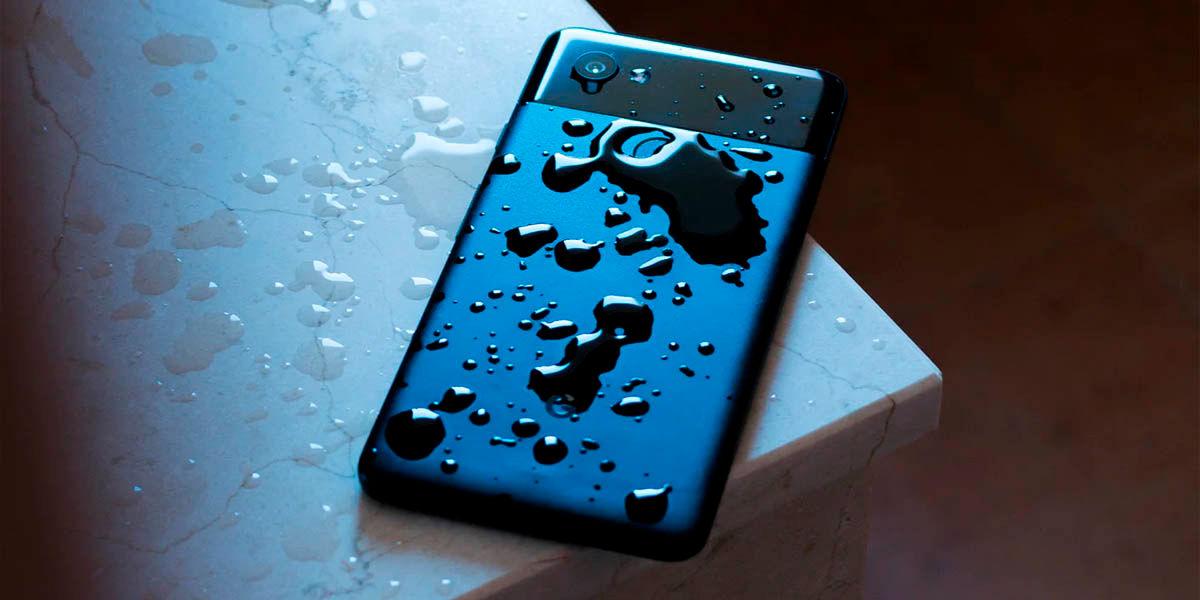 cosas que debes evitar al limpiar el móvil