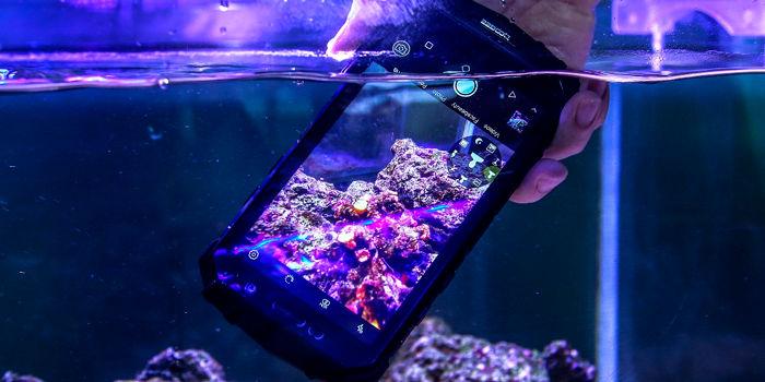 DOOGEE S60 debajo del agua