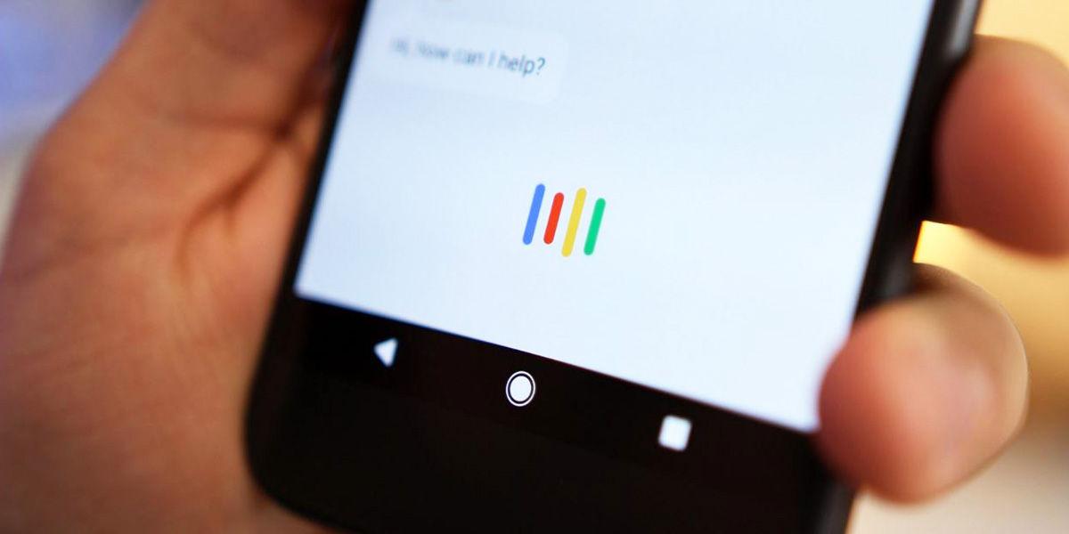 google assistant te escucha