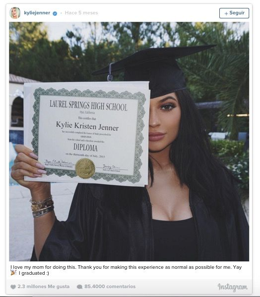 kendall graduacion instagram