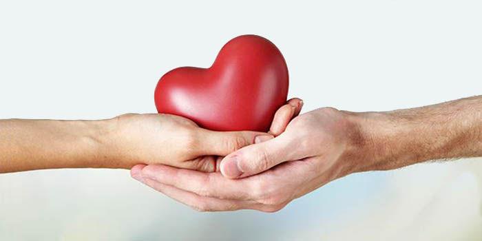 manos con corazon