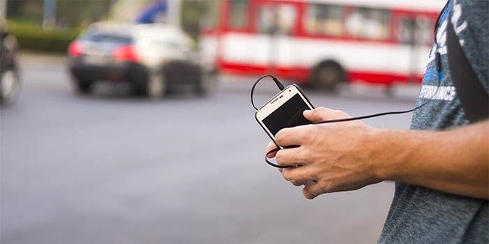 pantalla apagada de una móvil