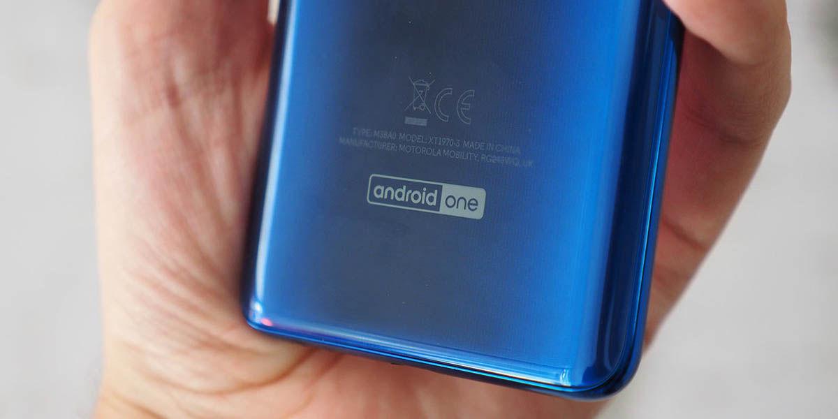 poco no venderá móviles android one