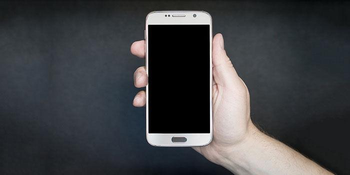 ¿Por qué el móvil se apaga antes de agotarse la batería?