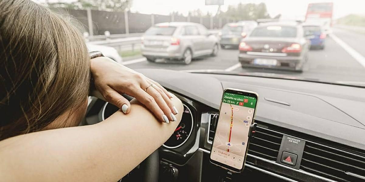 problema android auto lee nombre de calles en ingles
