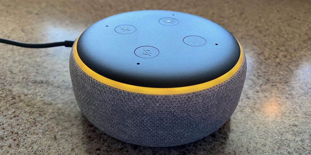 significado luz amarilla amazon echo dot